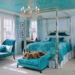 Классическая спальня в бирюзовых тонах