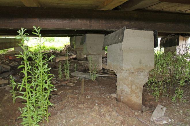 Ремонт столбчатого фундамента деревянного дома