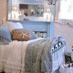 Спальня в бело-голубой цветовой гамме