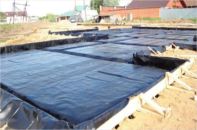 Гидроизоляция цементной основы для плитного фундамента