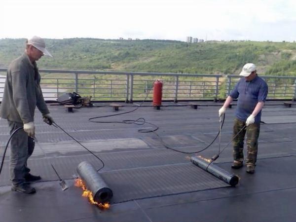 Оклеечная гидроизоляция крыши гаража
