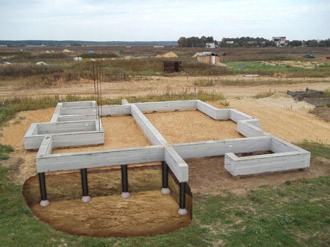 Свайный фундамент с бетонным ростверком