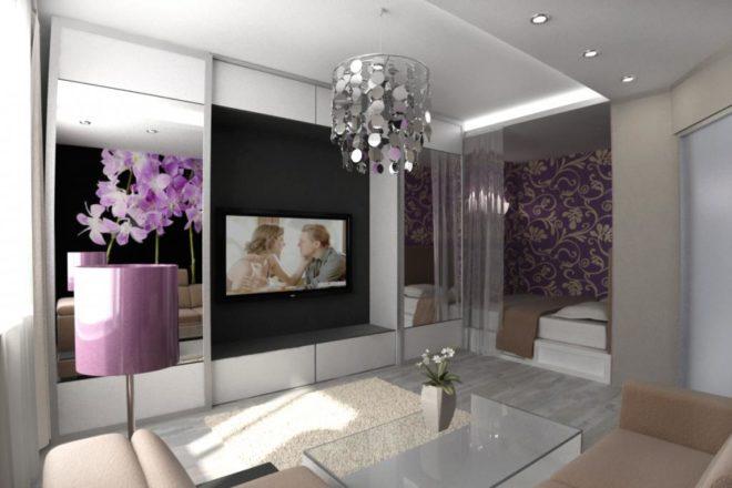 Гостиная-спальня с зеркальными шкафами