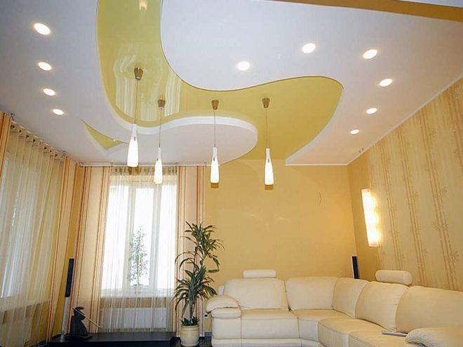 Квартира-студия с двухуровневым потолком