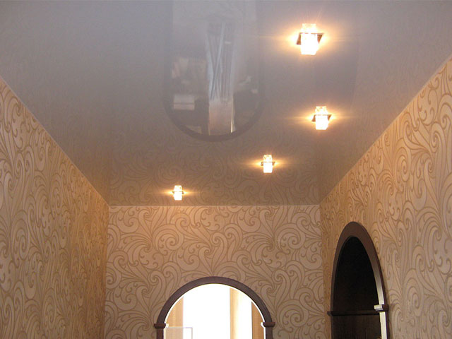 Глянцевый подвесной потолок