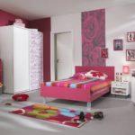 Бело-розовая спальня