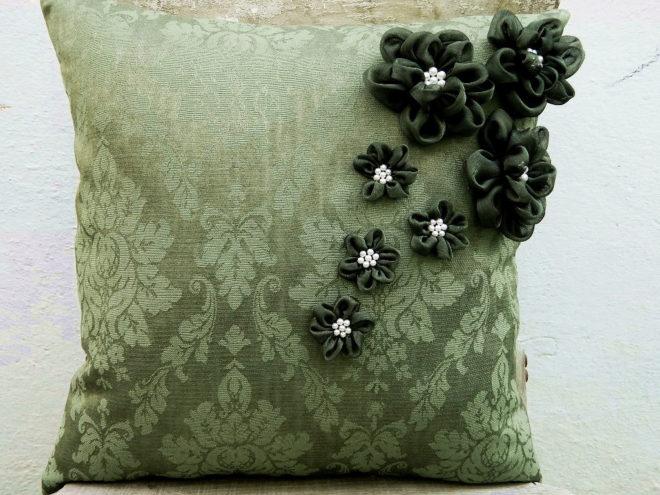 Объёмные узоры на подушке своими руками
