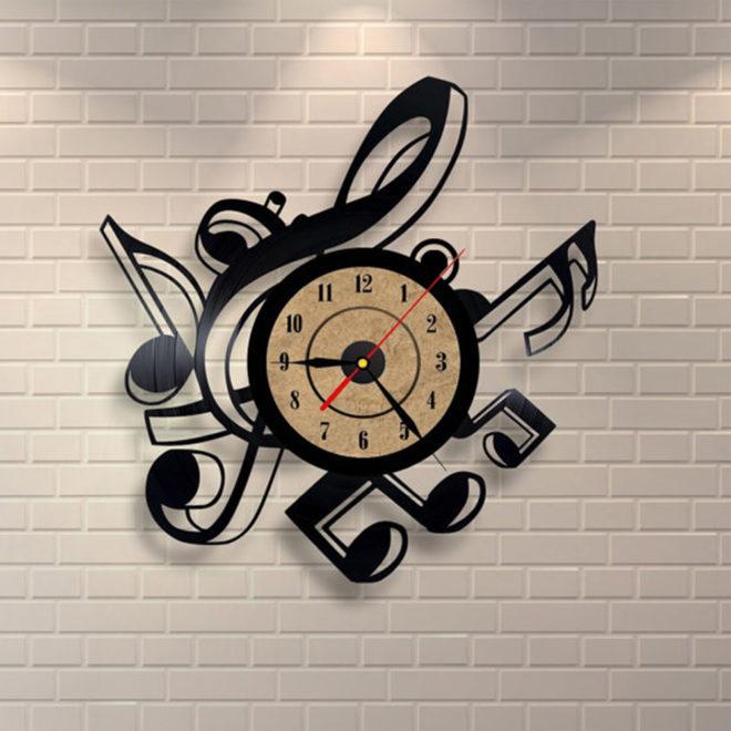 креативные часы на стену с нотами