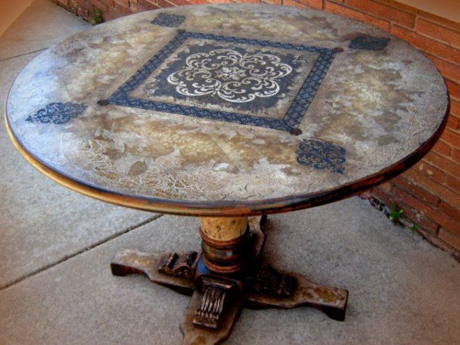 разрисованный вручную столик