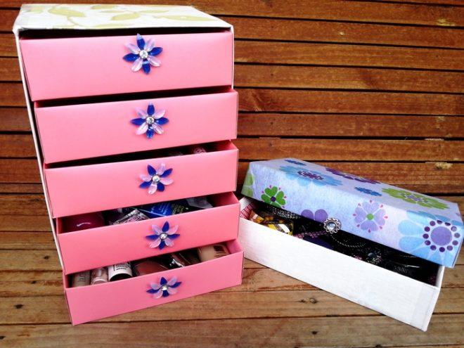 Розовые коробочки