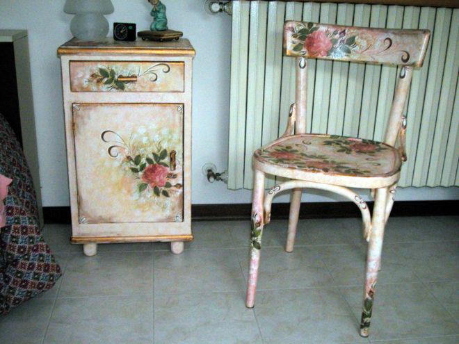 Аппликации на старой мебели