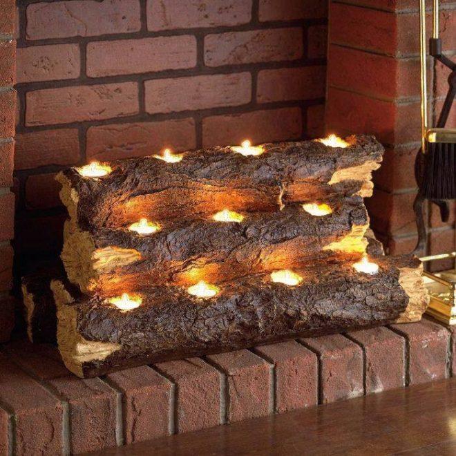 Оригинальный светильник из дерева в камине