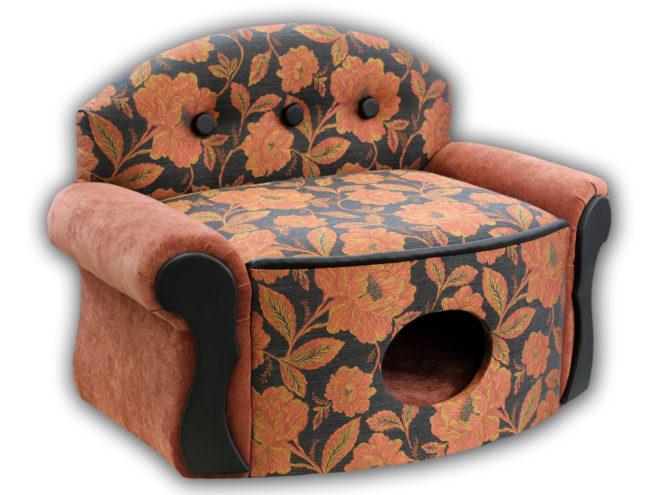 Домик для животного из старого кресла