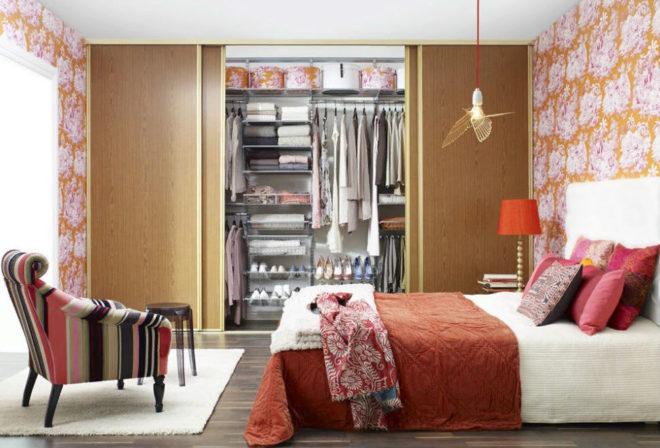 высокий встроенный шкаф