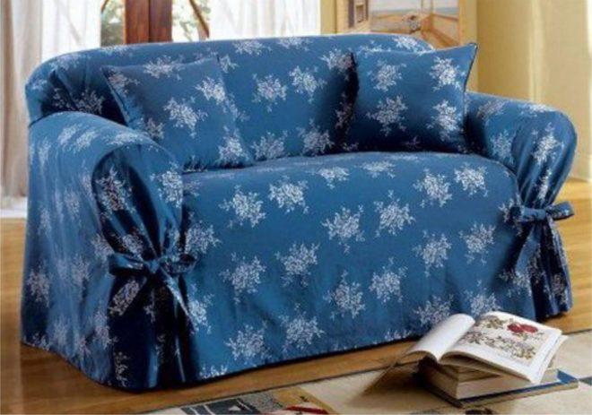Стильный синий диван
