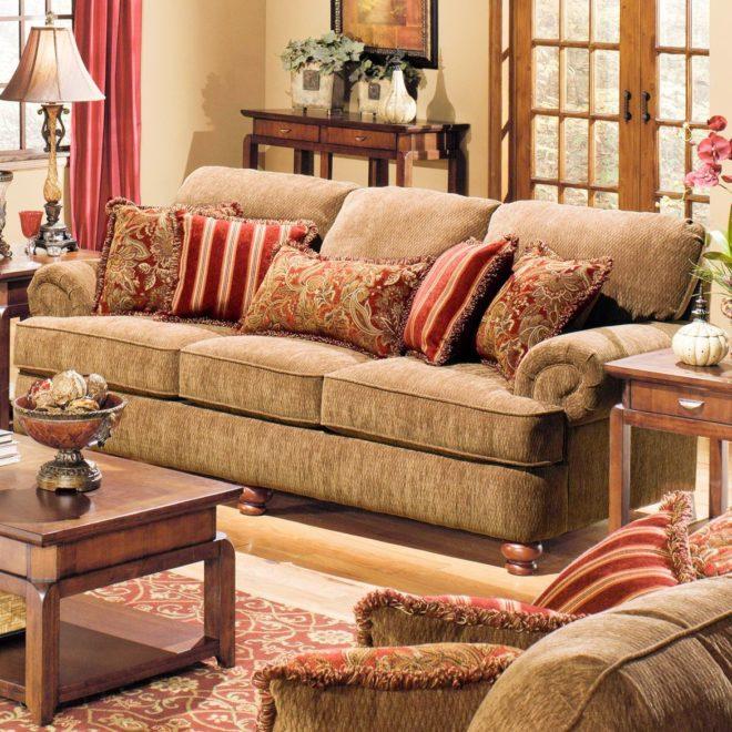 Светло-коричневый диван