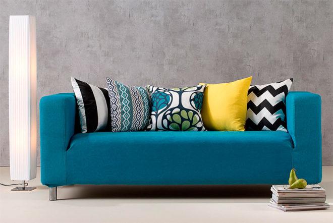 Ярко-синий диван