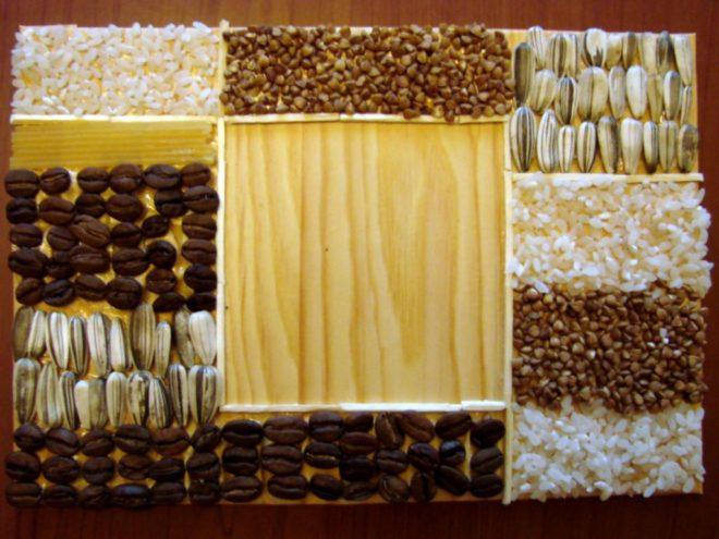 рамка для фотографий, украшенная крупами и семянами