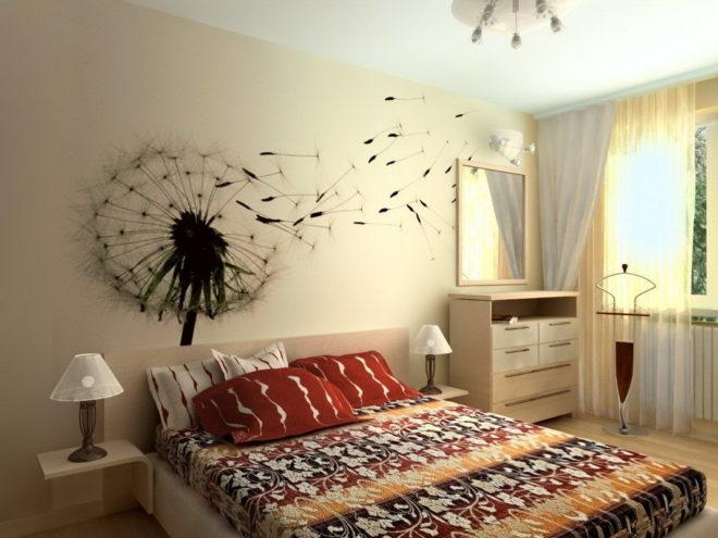 урашение стены над кроватью наклейками