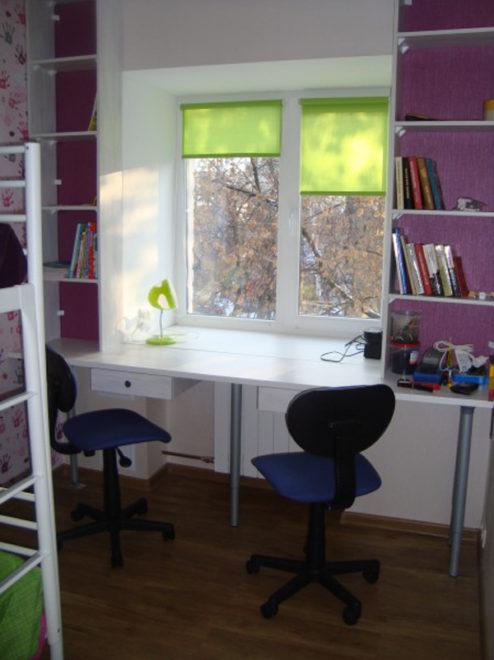 Подоконник как письменный стол