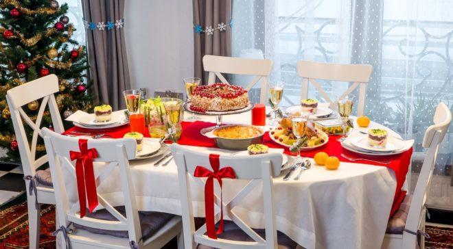 Яркие акценты декора стола