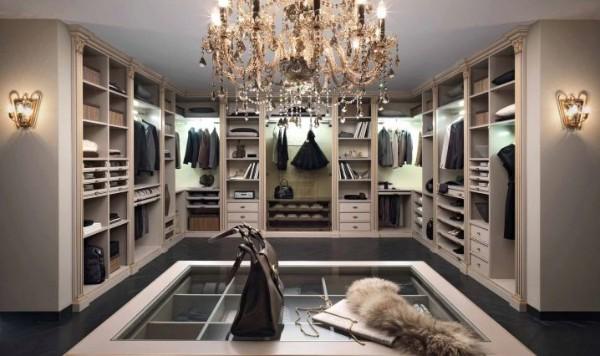 П-образное расположение гардеробной комнаты