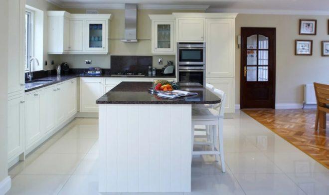 Дизайн кухни в белом цвете