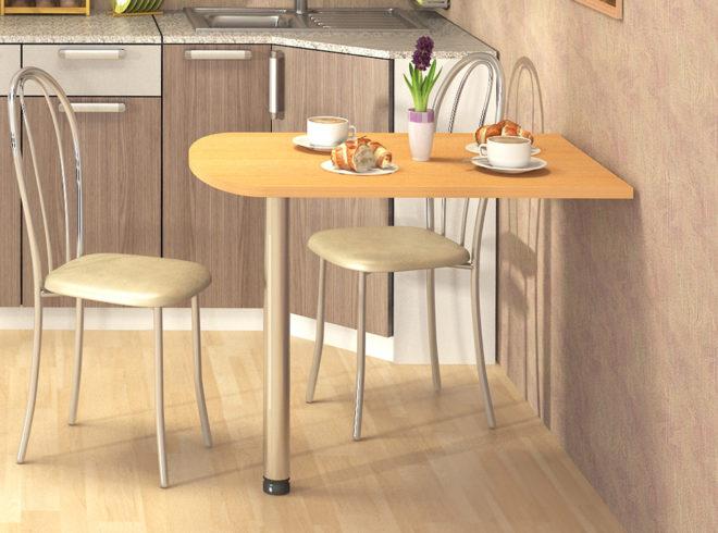 Пристенный стол и два стула
