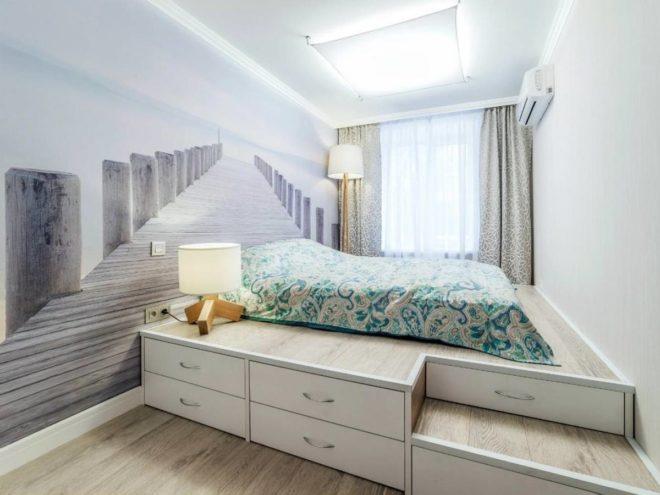 Кровать-подиум в однокомнатной квартире