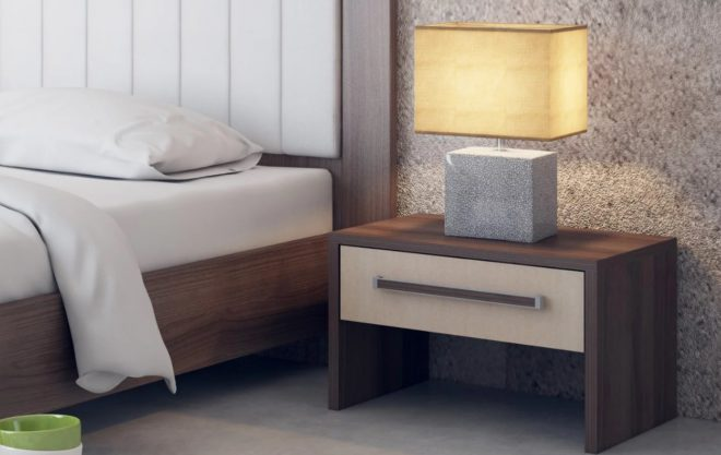 Тумбочка ниже уровня кровати
