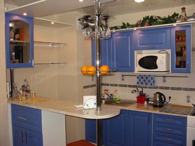 Барная стойка в интерьере кухни 11 кв. м