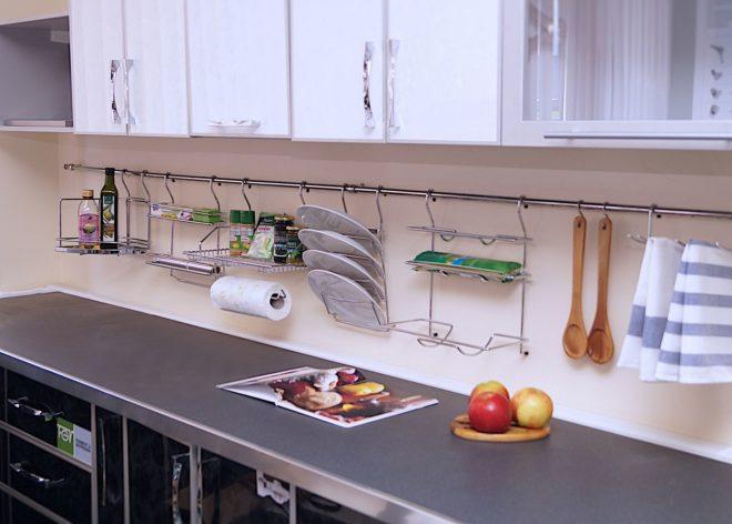 Хозяйственные мелочи на кухне 11 кв. м
