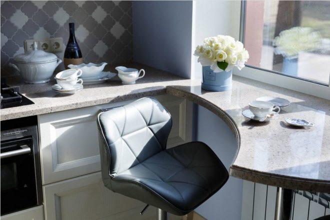 Столешница-подоконник на кухне