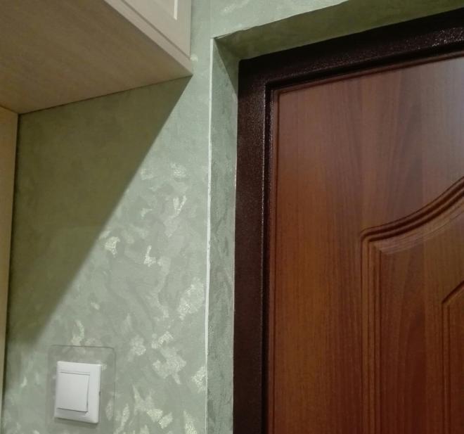 Оформление дверных откосов обоями