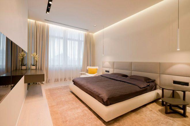 Спальня с простым оформлением