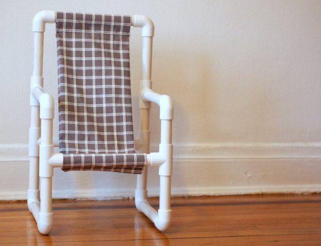 стул из пластиковых труб своими руками
