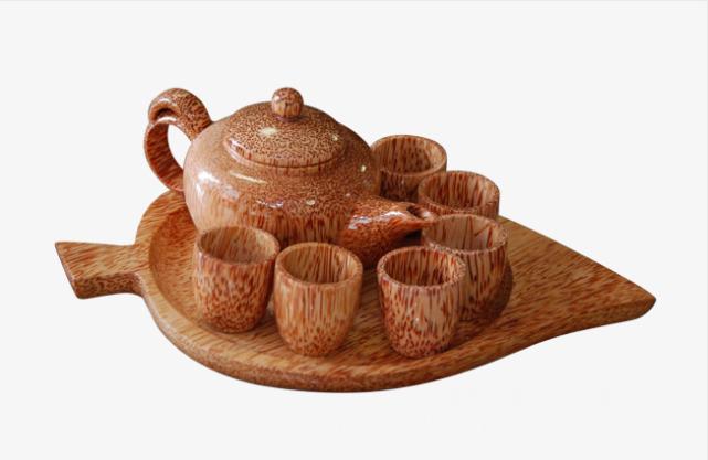 Чайный сервиз из дерева