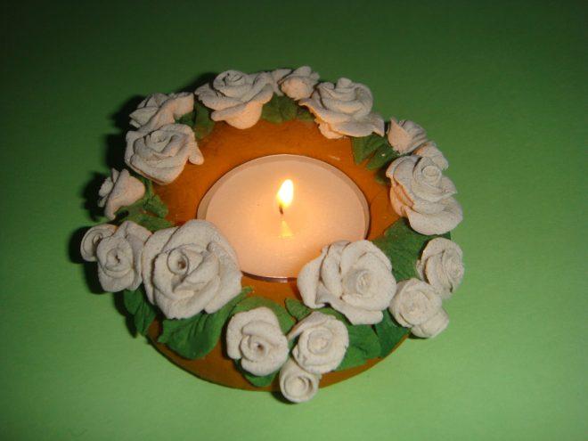 Подсвечник с розами