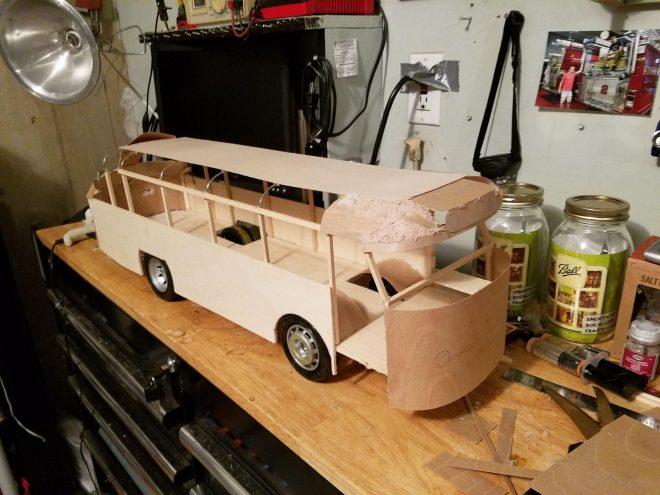 Изготовление деревянного автобуса