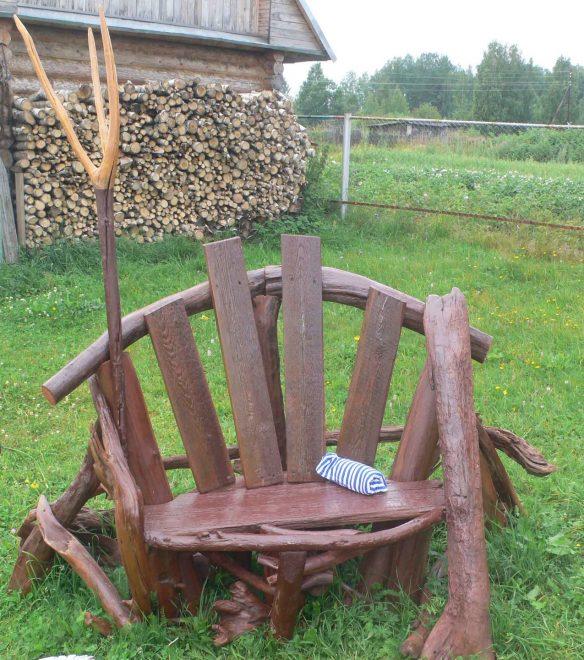 Необычное садовое кресло
