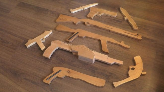 Игрушки из дерева для мальчика