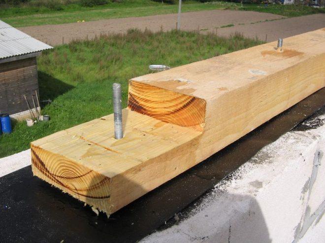 Крепление мауэрлата для вальмовой крыши