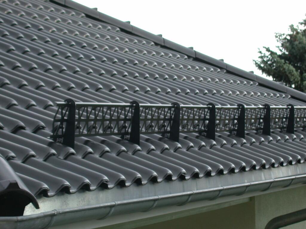 Снегоуловители на крышу своими руками