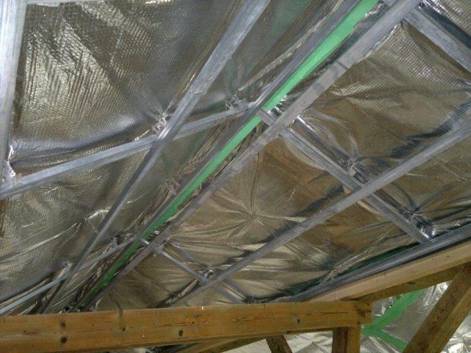 Утепление крыши дома изолоном