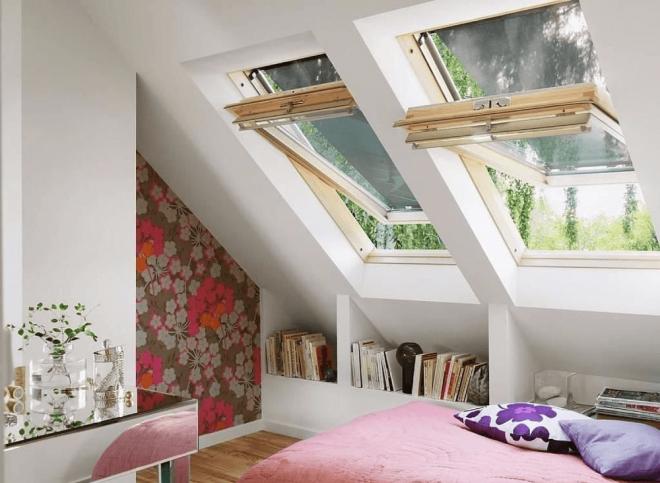 Деревянное мансардное окно