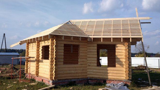T-образная крыша для бани