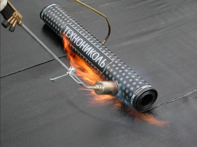 Наплавление рулонной гидроизоляции
