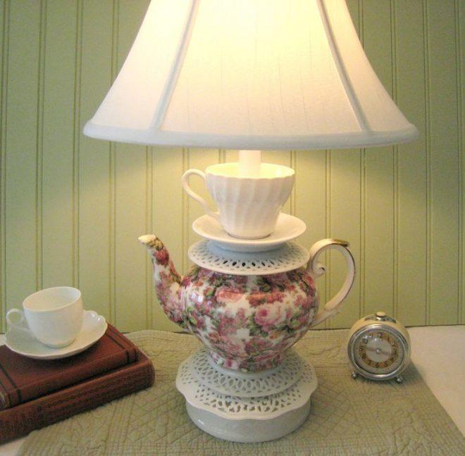 Светильник из фарфоровой посуды