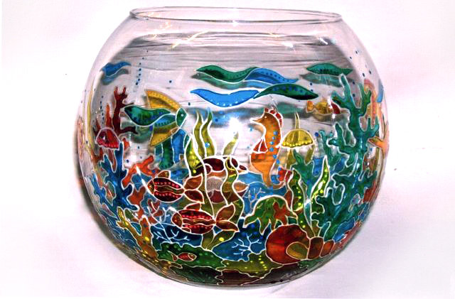 ваза из старого круглого аквариума