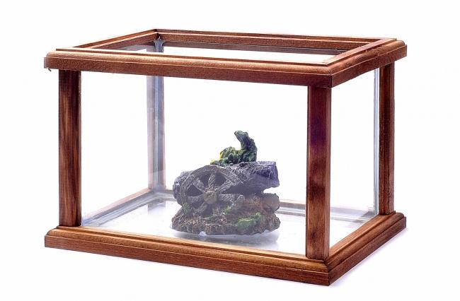 Хранилище для хрупких вещей из старого аквариума